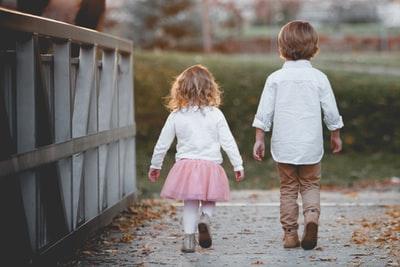 娘の反抗期の原因は、離婚とは直接的な関係はない